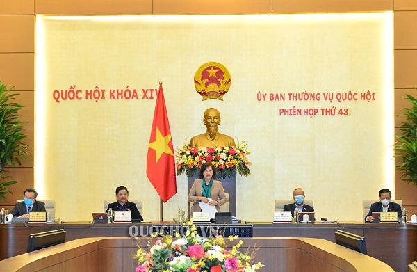 Chủ tịch Quốc hội: Chống dịch Covid-19 đã toát lên tinh thần đoàn kết quân dân