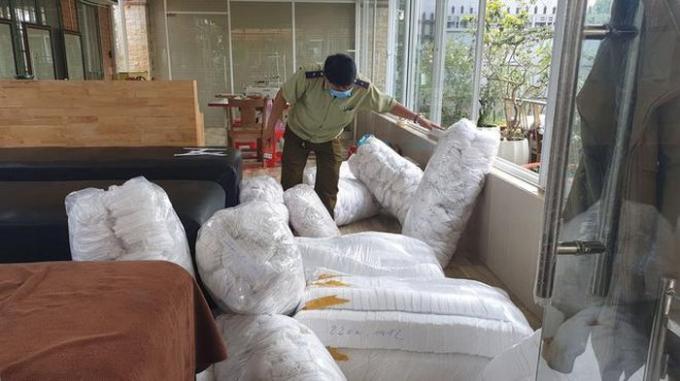 Lâm Đồng: Bắt quả tang cơ sở gia công khẩu trang trái phép