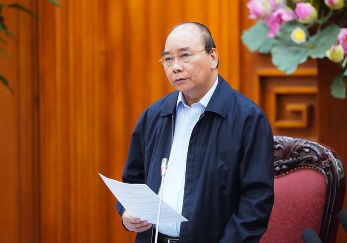 Thủ tướng Nguyễn Xuân Phúc yêu cầu tạm dừng mọi hoạt động tập trung trên 20 người