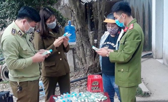 Hà Nội: Phát hiện cơ sở làm giả dung dịch rửa tay