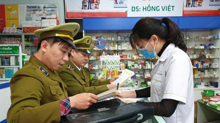 Hàng loạt nhà thuốc bị xử phạt nặng do vi phạm trong kinh doanh trang thiết bị y tế