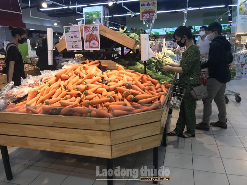 Chợ, siêu thị hoạt động bình thường, hàng hóa dồi dào