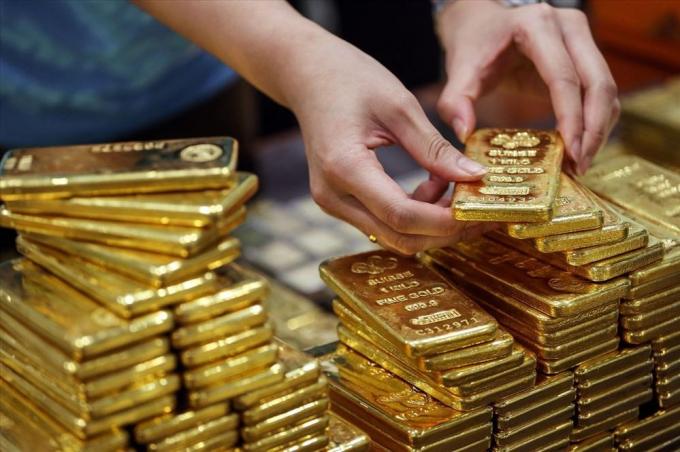 Giá vàng hôm nay 8/4: Giá vàng tăng nóng, vọt ngưỡng 48 triệu mỗi lượng
