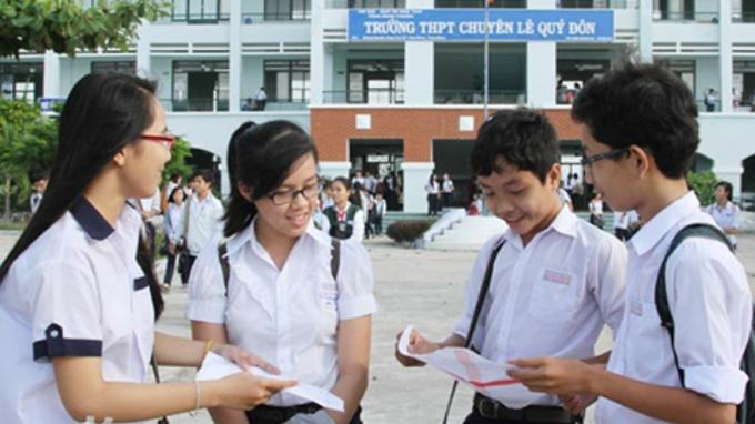 Thi vào lớp 10 ở Hà Nội: Giảm môn nhưng vẫn khốc liệt?
