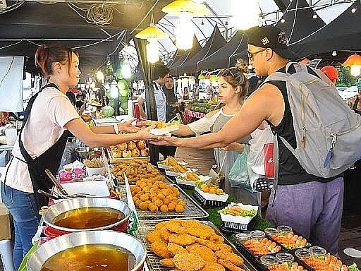 Hà Nội: Bảo đảm an toàn thực phẩm đối với kinh doanh dịch vụ ăn uống, thức ăn đường phố