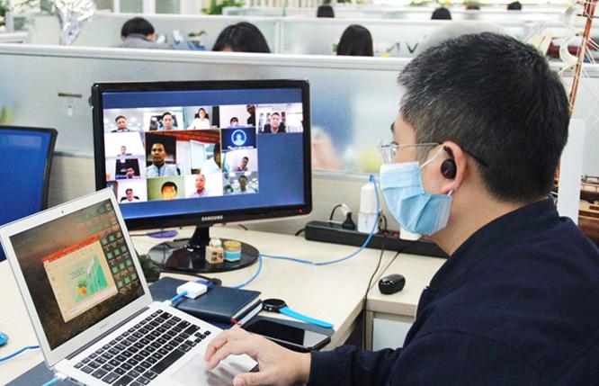 Doanh nghiệp triển khai làm việc trực tuyến: Đạt mục tiêu kép