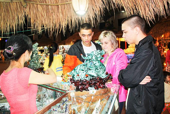 Phố đi bộ Nha Trang làm phong phú sản phẩm phục vụ du lịch của tỉnh Khánh Hoà