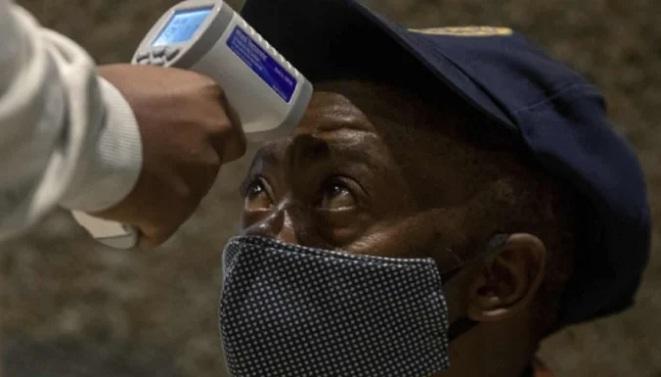 WHO cảnh báo virus corona có thể 'âm ỉ' ở châu Phi tới vài năm