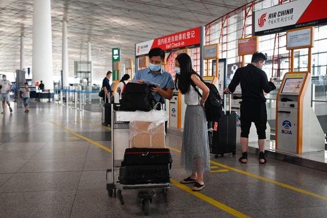 Bắc Kinh hủy gần 70% chuyến bay ngăn làn sóng Covid-19 thứ hai