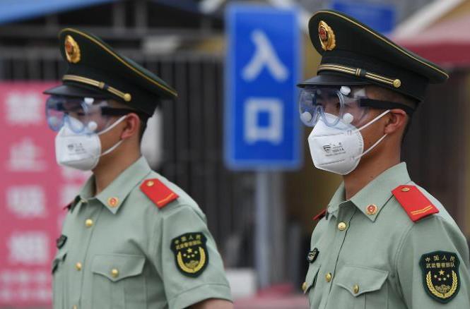 COVID-19 tái bùng phát: Bắc Kinh áp dụng biện pháp thời chiến
