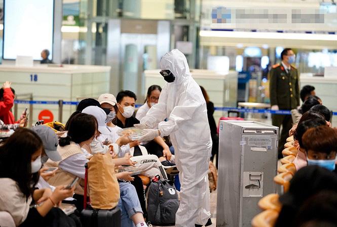 Hà Nội: Người nhập cảnh phải cách ly 14 ngày, sau đó theo dõi giám sát thêm 14 ngày