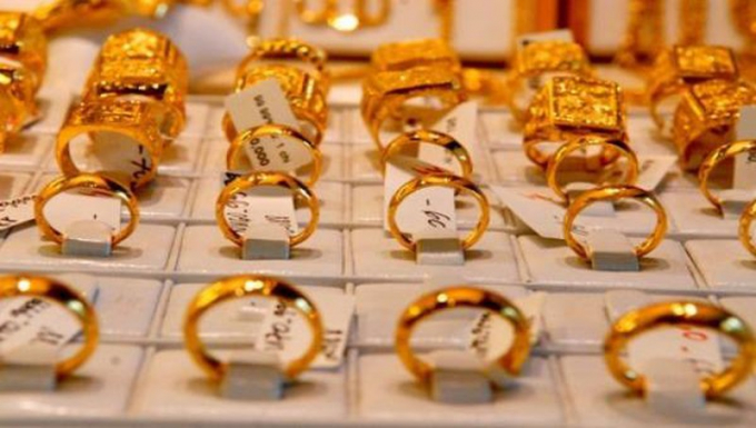 Vàng trong nước tiến thẳng mốc 60 triệu đồng/lượng