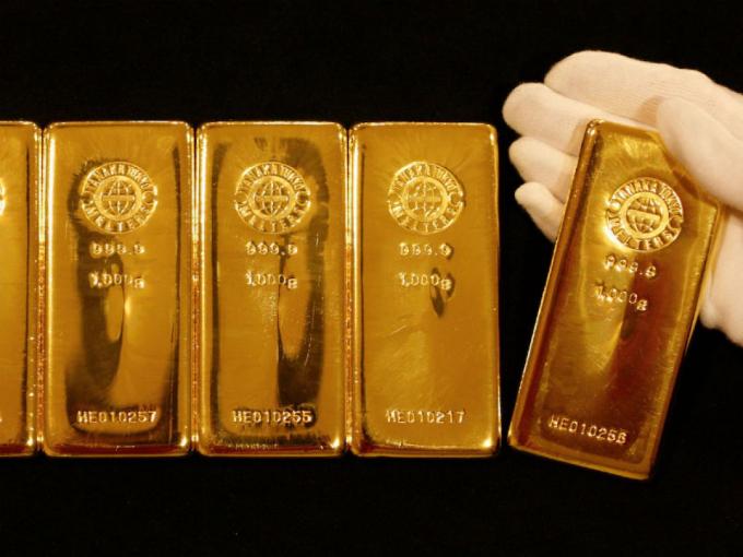 Giá vàng hôm nay 6/7: Giá vàng hưởng lợi từ đồng USD suy yếu
