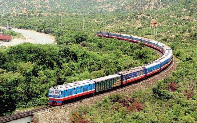 """Đường sắt Việt Nam """"tiêu tan"""" hơn 700 tỷ đồng trong 7 tháng"""