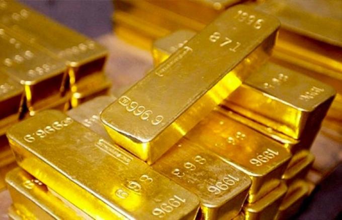Giá vàng hôm nay 7/8: Vàng trong nước cao hơn thế giới gần 5 triệu đồng/lượng, nhà đầu tư