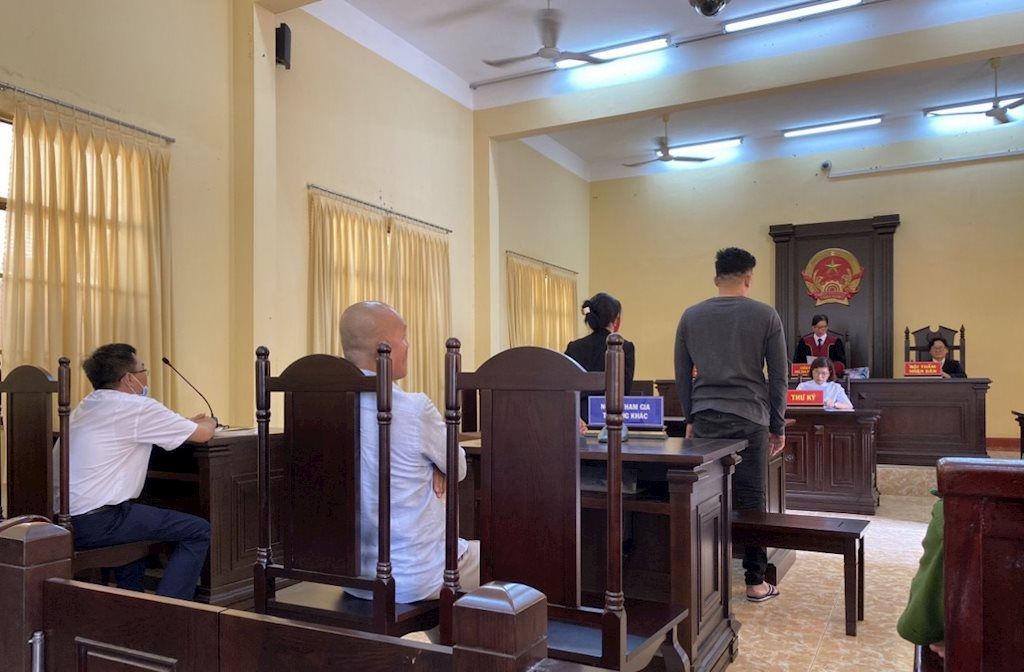 TP. Bà Rịa: Hoãn xét xử lần thứ hai vụ án cướp tài sản đối với ca sĩ bolero Khánh Lan và đồng phạm