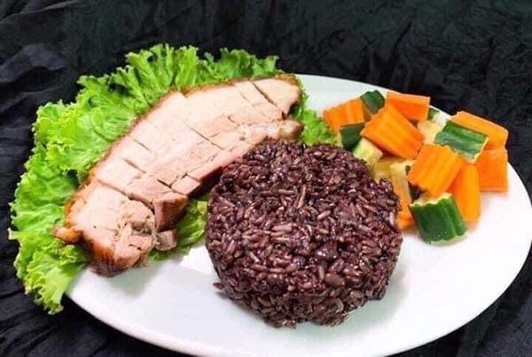 """Cơm gạo đen Đậu đỏ ăn liền Hải Linh thực phẩm """"vàng"""" dành cho sức khỏe"""