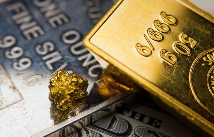 Giá vàng hôm nay 16/10: Nhiều yếu tố đang hỗ trợ vàng tăng giá