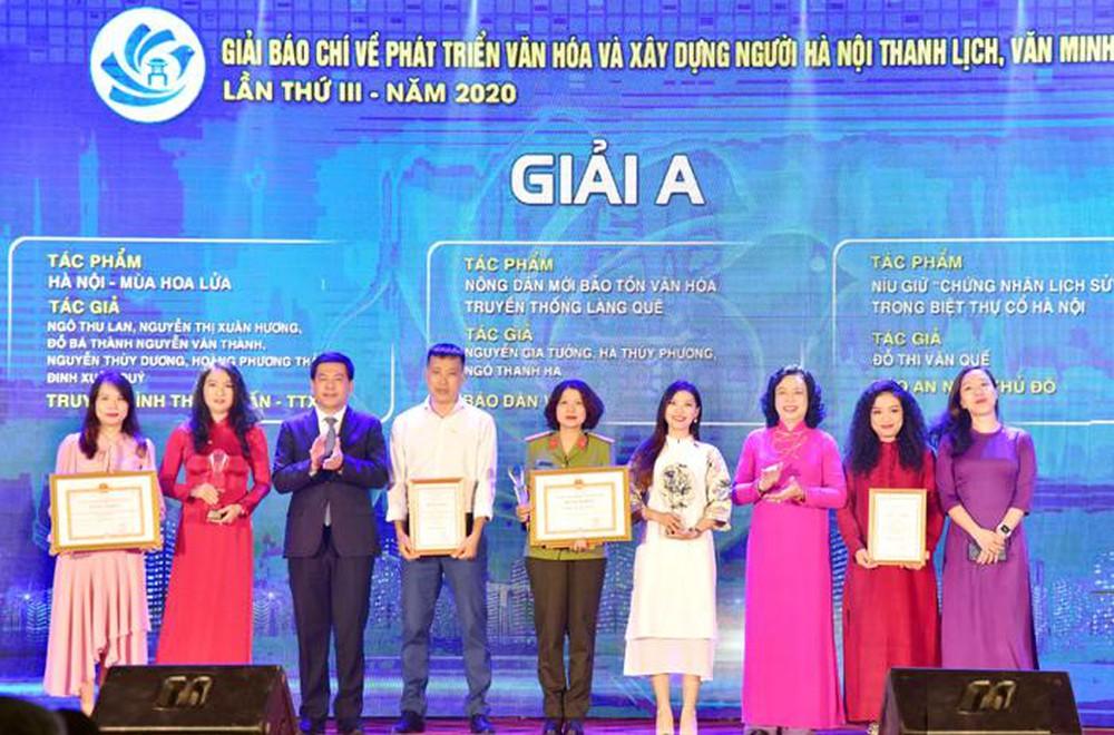 Hà Nội trao thưởng hai giải báo chí về xây dựng Đảng và phát triển văn hóa năm 2020
