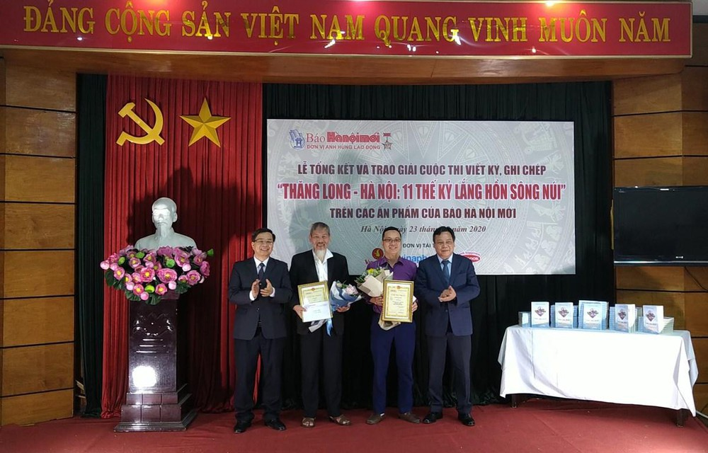 Trao giải cuộc thi viết ký, ghi chép ''Thăng Long - Hà Nội: 11 thế kỷ lắng hồn sông núi''