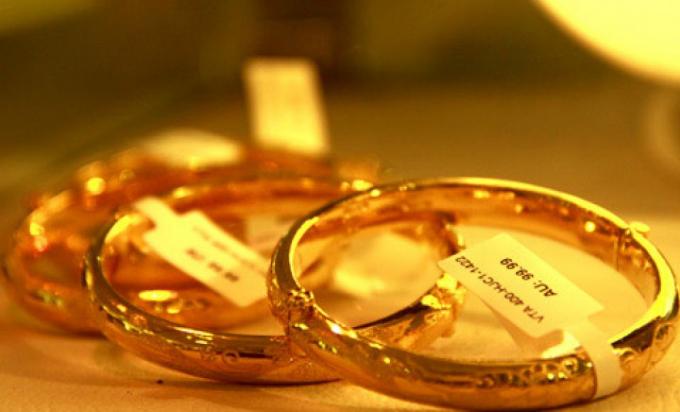Giá vàng hôm nay 3/11: Giá vàng đảo chiều tăng mạnh trở lại