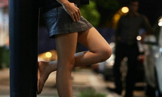 Bức màn bí mật đằng sau nghề mại dâm cao cấp ở Singapore