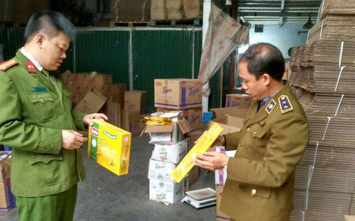 Hà Nội: Phát hiện 3 tấn bánh quy Thổ Nhĩ Kỳ hết date đang được