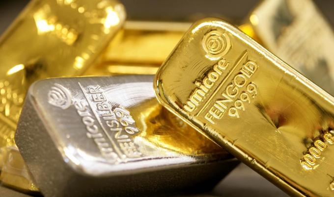 Giá vàng hôm nay 16/1: Giá vàng trong nước tăng ngược chiều thế giới