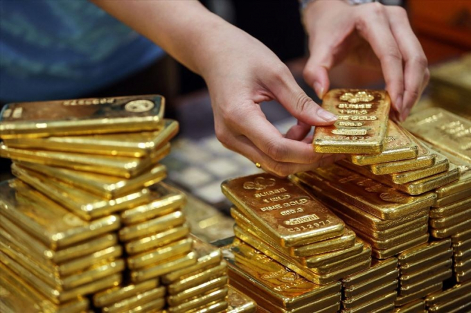 Giá vàng hôm nay 18/1: Giá vàng tiếp tục đi xuống trong tuần mới