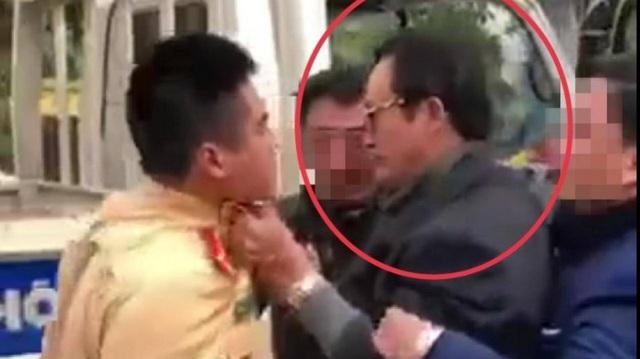 Tuyên Quang: Xem xét kỷ luật Chi cục trưởng túm cổ áo CSGT khi bị kiểm tra nồng độ cồn