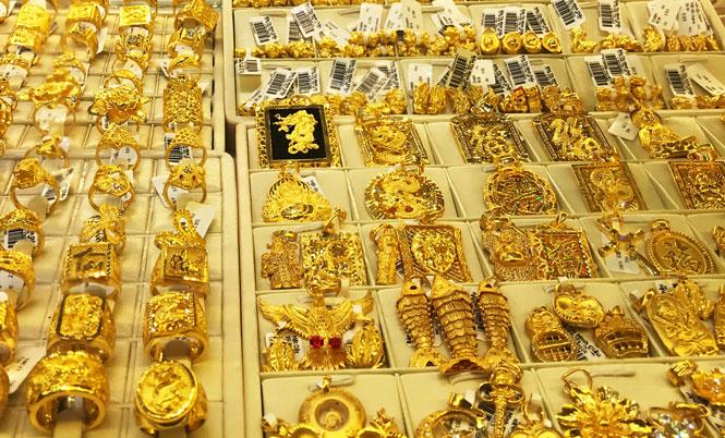 Giá vàng tăng trở lại, vượt mốc 56 triệu đồng/lượng