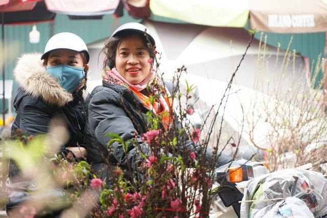 Sơn La: Phát hành hơn 10.000 tem chứng nhận đào dân trồng