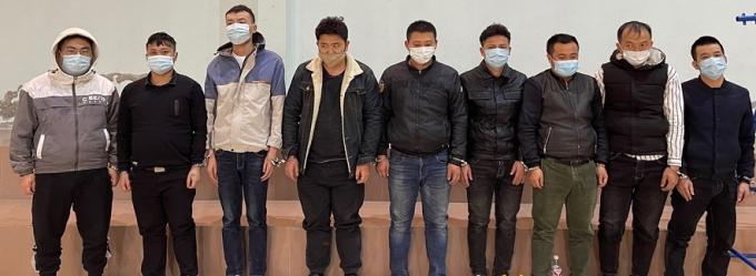 Lạng Sơn: Bắt quả tang 2 xe ô tô chở 9 người Trung Quốc nhập cảnh trái phép
