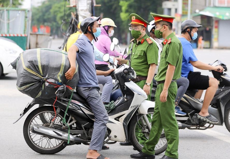 Hà Nội: Các tổ kiểm tra siết chặt xử lý vi phạm giãn cách xã hội