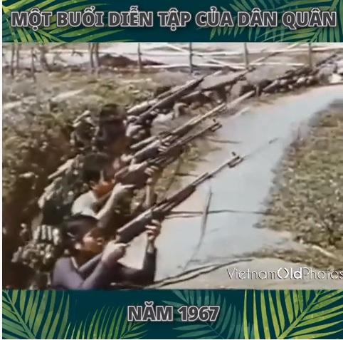 Một buổi diễn tập của dân quân năm 1967