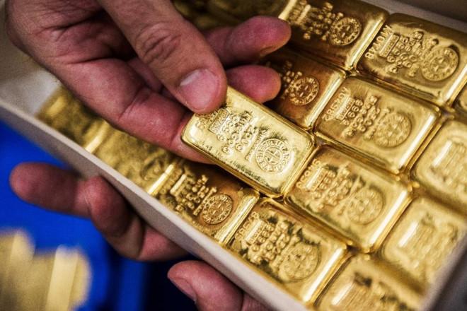 Giá vàng hôm nay 12/9: Đồng USD mạnh lên, gây áp lực giảm cho giá vàng