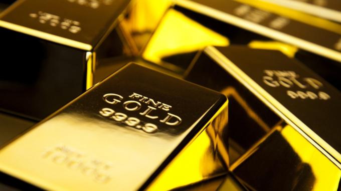 Giá vàng hôm nay 9/9: Tiếp tục lao dốc trước áp lực từ đồng USD mạnh lên