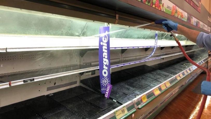 Một phụ nữ tại Mỹ bị phạt tù hai năm vì cố tình ho vào hàng hóa trong siêu thị