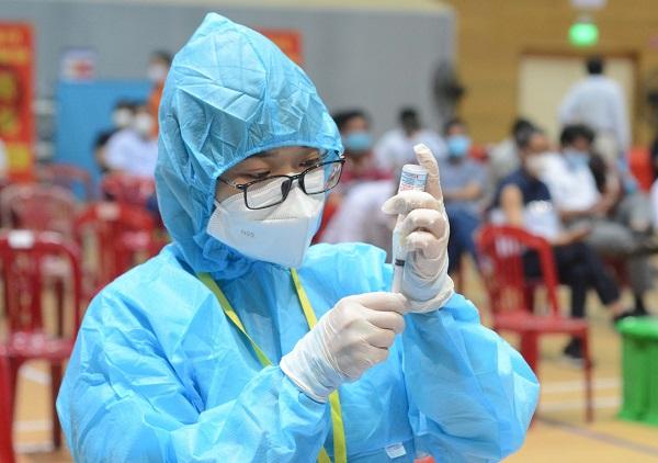 Ngày 14/9, số lượng bệnh nhân Covid-19 khỏi bệnh cao hơn số lượng ca nhiễm mới