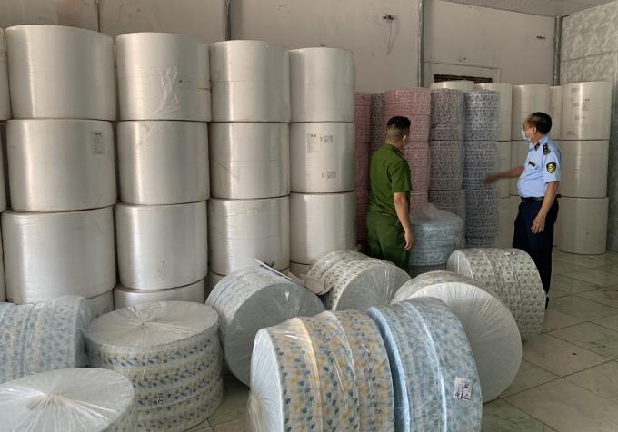 Bắc Ninh: Thu giữ 4 tấn vải nhập lậu từ Trung Quốc