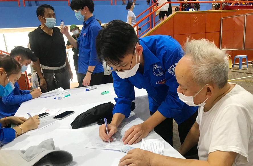 1.586 tình nguyện viên Hà Nội đăng ký tham gia chống dịch tại các tỉnh, thành phố phía Nam