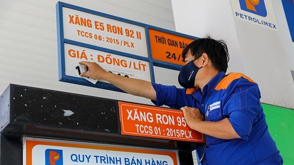 """Giá xăng dầu cao kỷ lục, Bộ Công thương chỉ đạo """"nóng"""""""