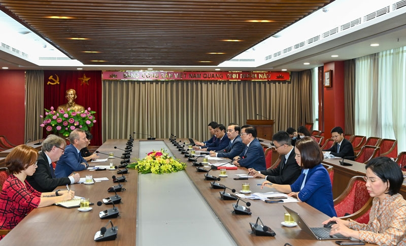 Hà Nội mong muốn mở rộng hợp tác với các địa phương và đối tác của nước Anh