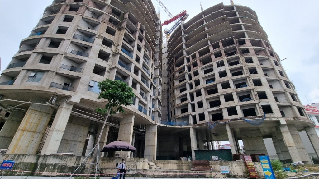 Hà Nội: Tổ hợp dự án Sky View Plaza nợ thuế hàng chục tỷ, dừng xây dựng đến bao giờ?